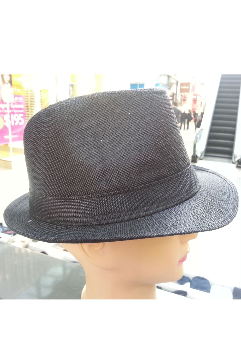 Hat in black