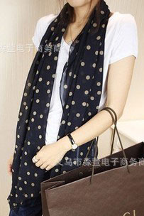 scarf dark navy color with pink dots
